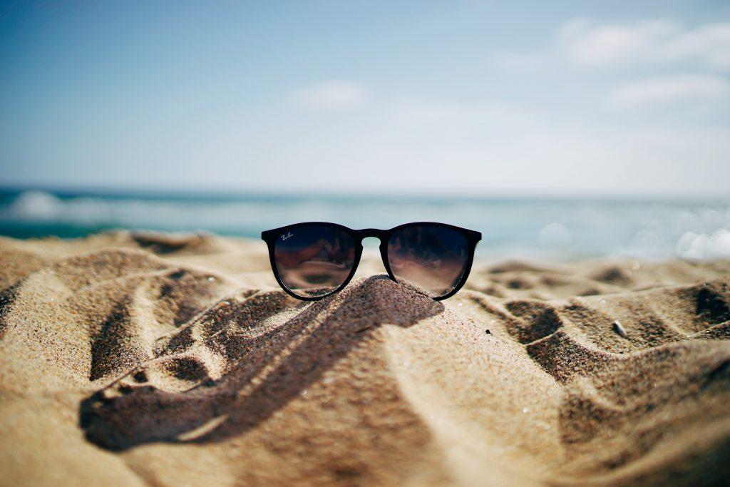 6 skönhetsprodukter du bör ha med dig på semestern!